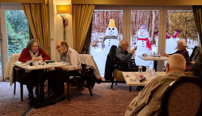 Lunch Club pubs go the extra mile to spread a little Christmas cheer